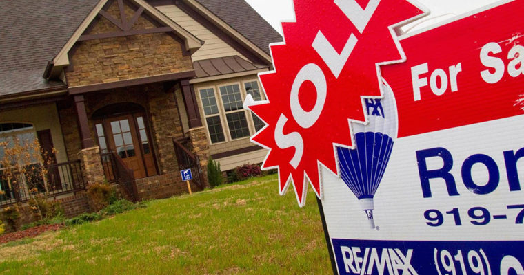 10 states where you can buy the most home for $300,000