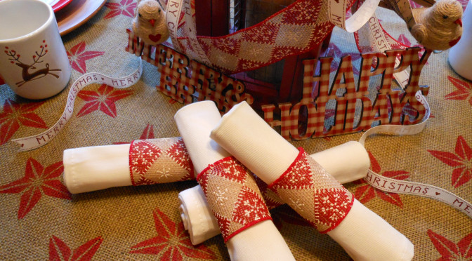 Easy DIY Stamp Painted Tablecloth & Holiday Ribbon Napkin Rings + Burlap Birds Craft Tutorials