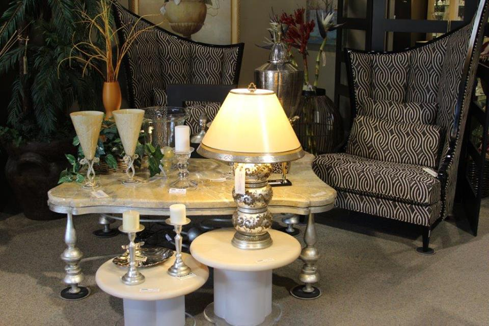 Consignment Tables Lamps
