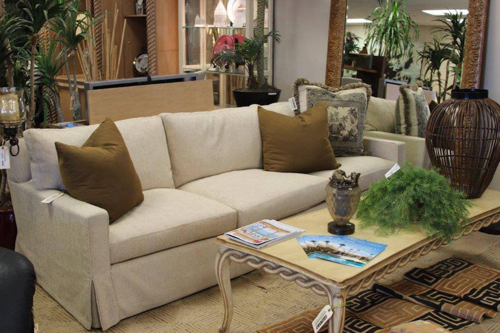 High Quality Coffee Table with a Sofa