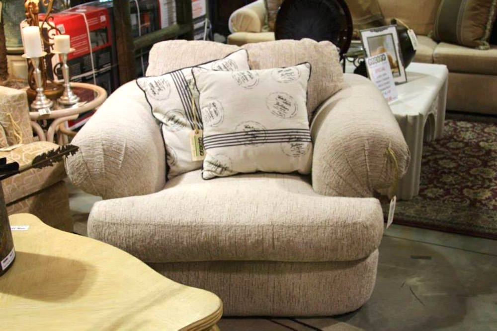 Luxury Consignment Arm Chair