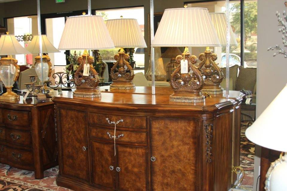 Luxury Consignment Table Lamps
