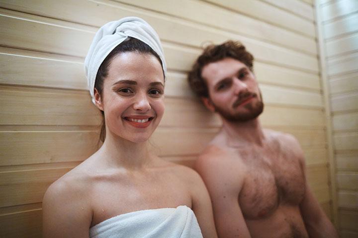 unwind-infrared-sauna-couple