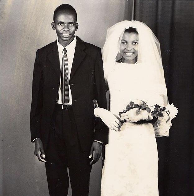 Dad & Mum on their wedding day in 1969