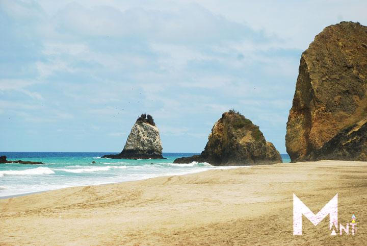 san-lorenzo-beach-manta-ecuador