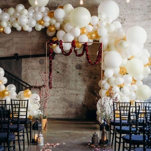 snake-oil-cocktail-wedding-instagram-dream-balloon-display-luce-loft