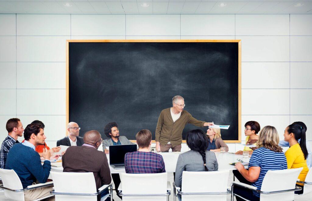 UFPE lança dois editais de concursos para professores.