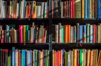PEC que garante isenção a livros, jornais e periódicos começa a tramitar.