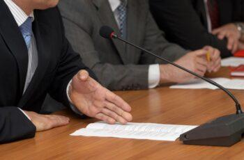 Câmara Federal discute reforma administrativa.