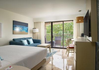 MH_PVRMX_GENR_2061_Guestroom_King_Garden_View_DELUX_002