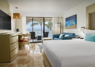 MH_PVRMX_OCFT_3045_Guestroom_King_Delux_Ocean_Front_002