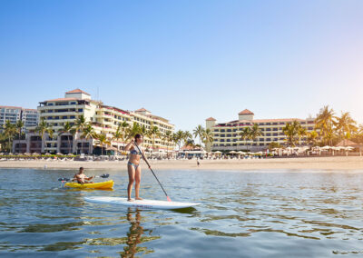 MH_PVRMX_standup_paddle_kayak_hotel_view