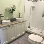 Bath,_Zomermaand_Vanity_(FM_Uptown_White,_Silestone)