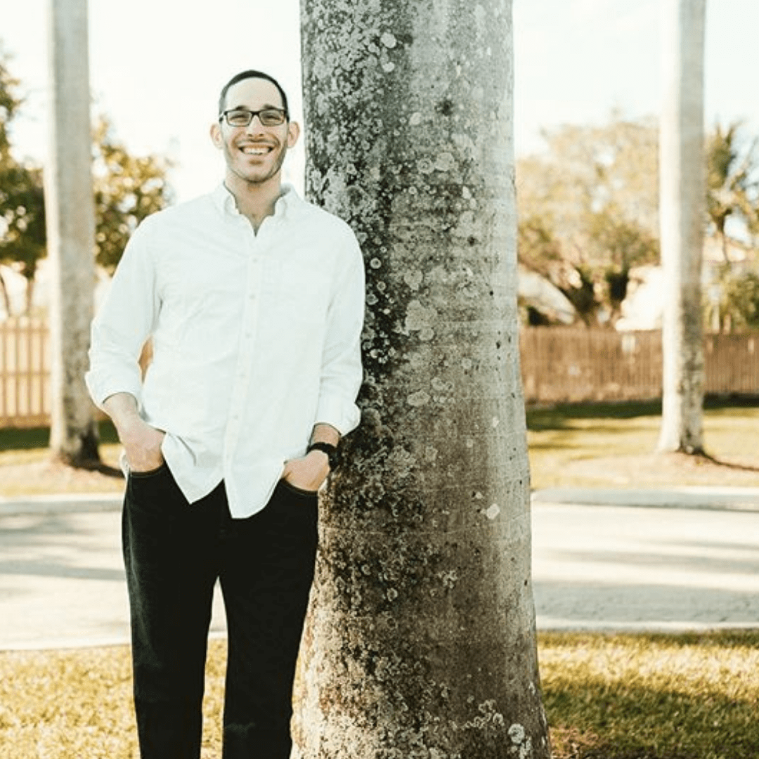 Eli Weinstein, a social worker, began to experience tremendous anxiety after his daughter's birth. He was wholly unprepared for this experience and it has lead him to helping other men in ways no one ever supported or helped him. Men's mental health