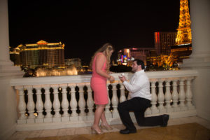 Photographers of Las Vegas - Vegas Strip Tour Photography - marriage proposal at Bellagio fountains