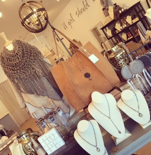 evelyn-on-second-elmhurst-il-boutiue