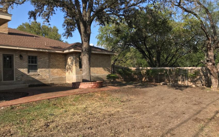 310 Harriet Dr San Antonio, TX 78216