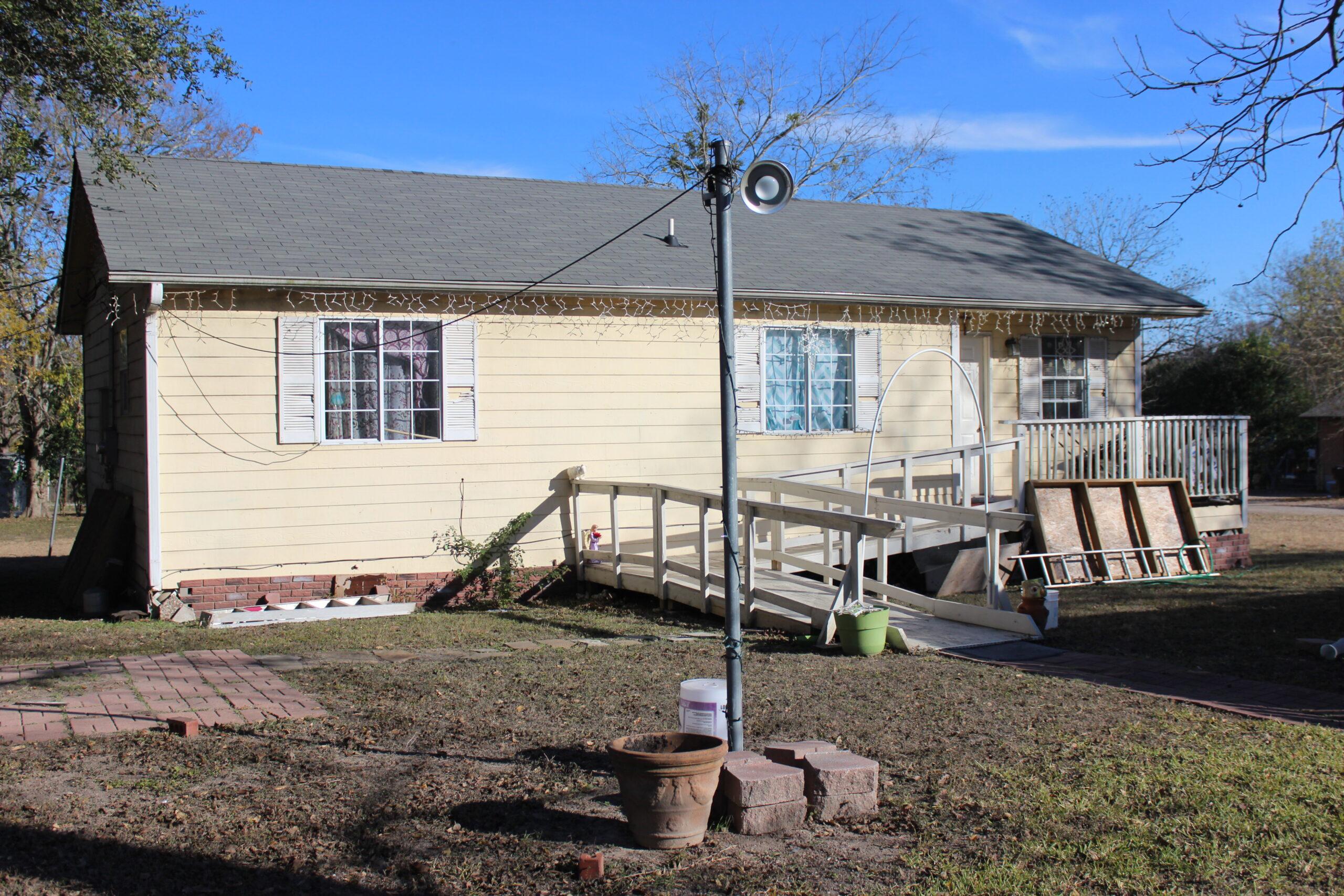 732 Neches St Lockhart, TX 78644