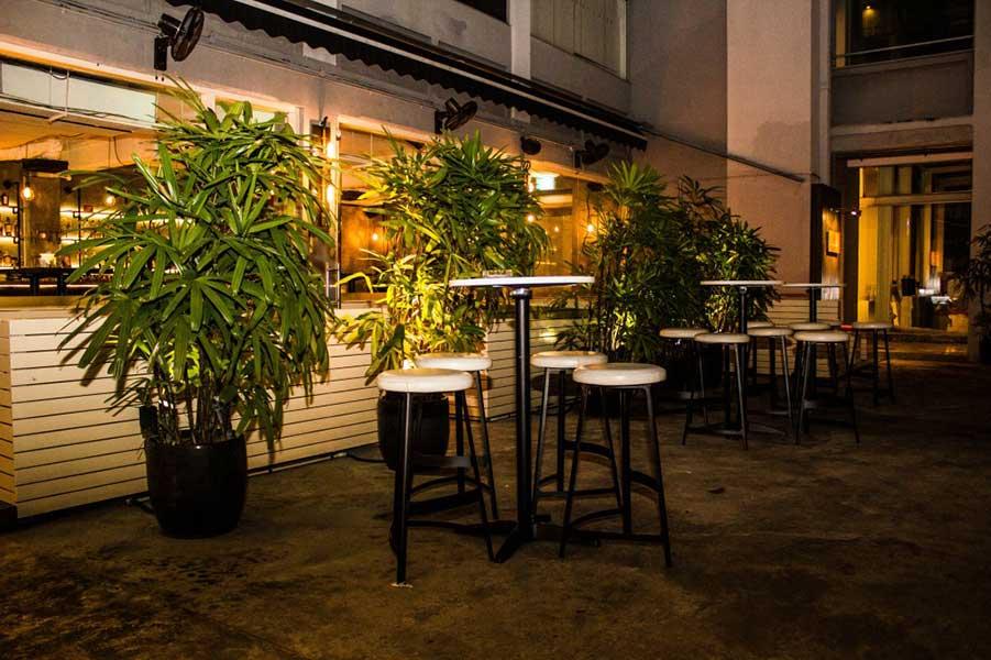 Hopscotch Cocktail Bar - Singapore, photo #1