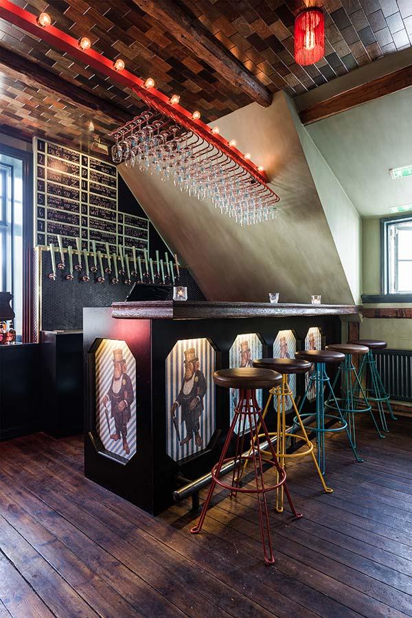 Mikkeller & Friends Bar, Reykjavik - bar counter
