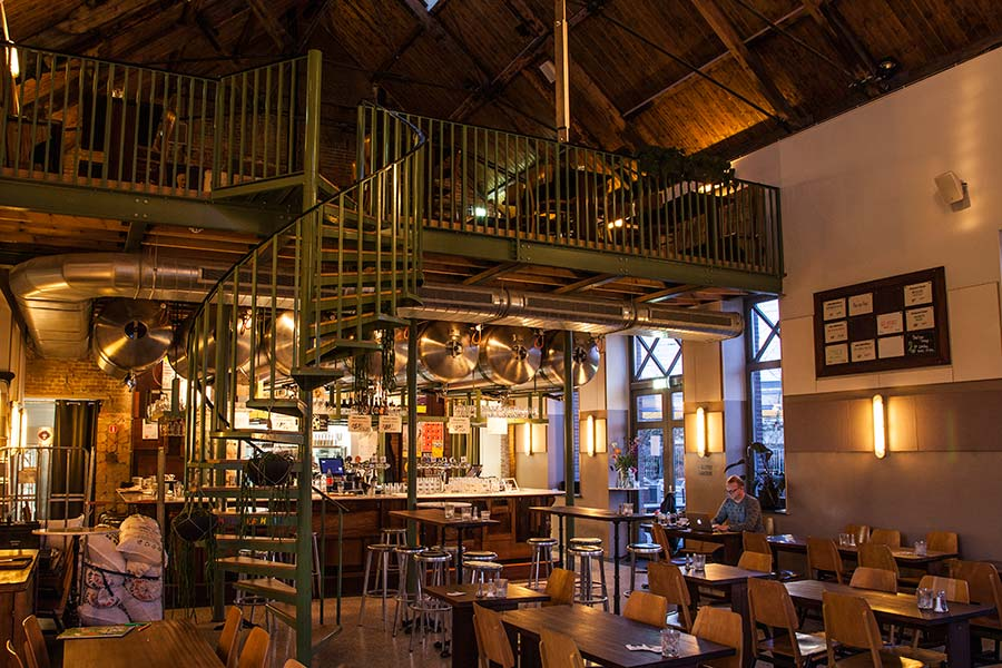 Poesiat & Kater craft brewery in Amsterdam