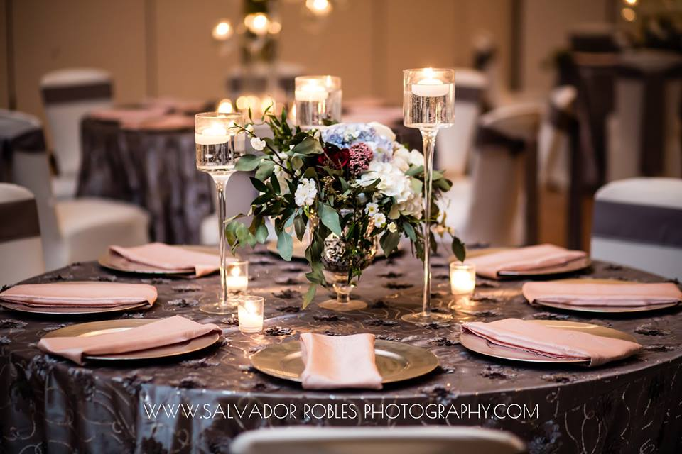 Steel Pintuck Tabelcloth w/ Blush Satin Napkins and Silver Chargers
