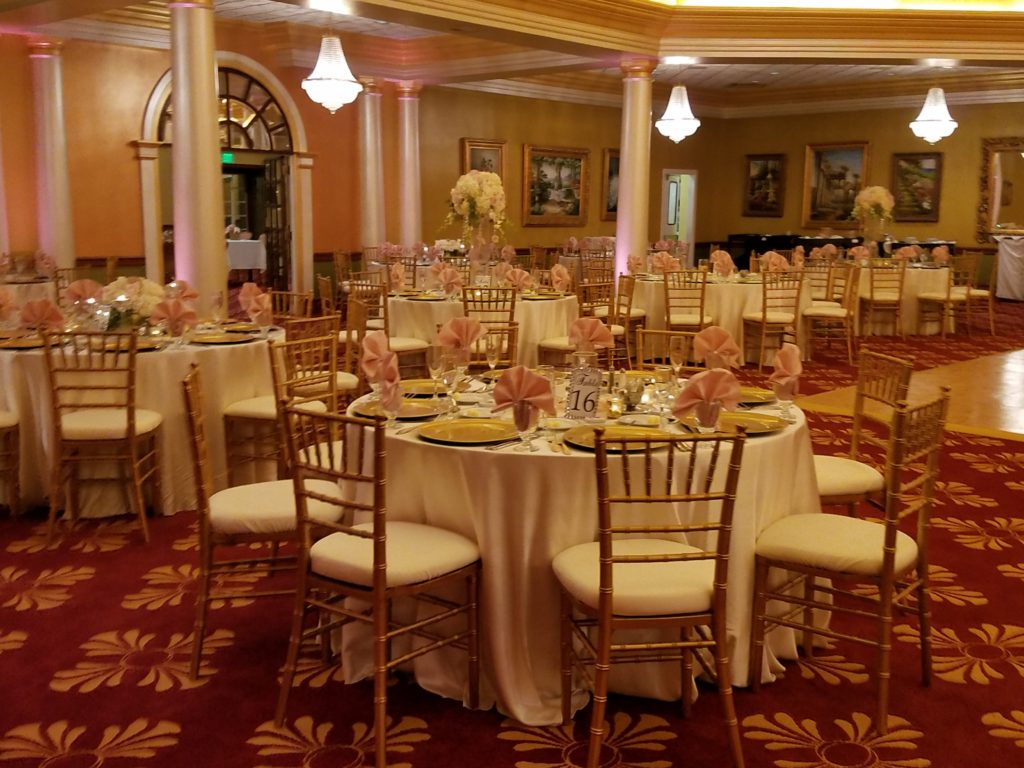 Ivory Majestic Tablecloths w/ Blush Napkins