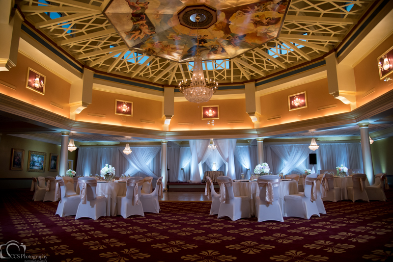 Champange Majestic Tablecloths w/ Champagne Satin Sashes and White Spandex Chair Coves