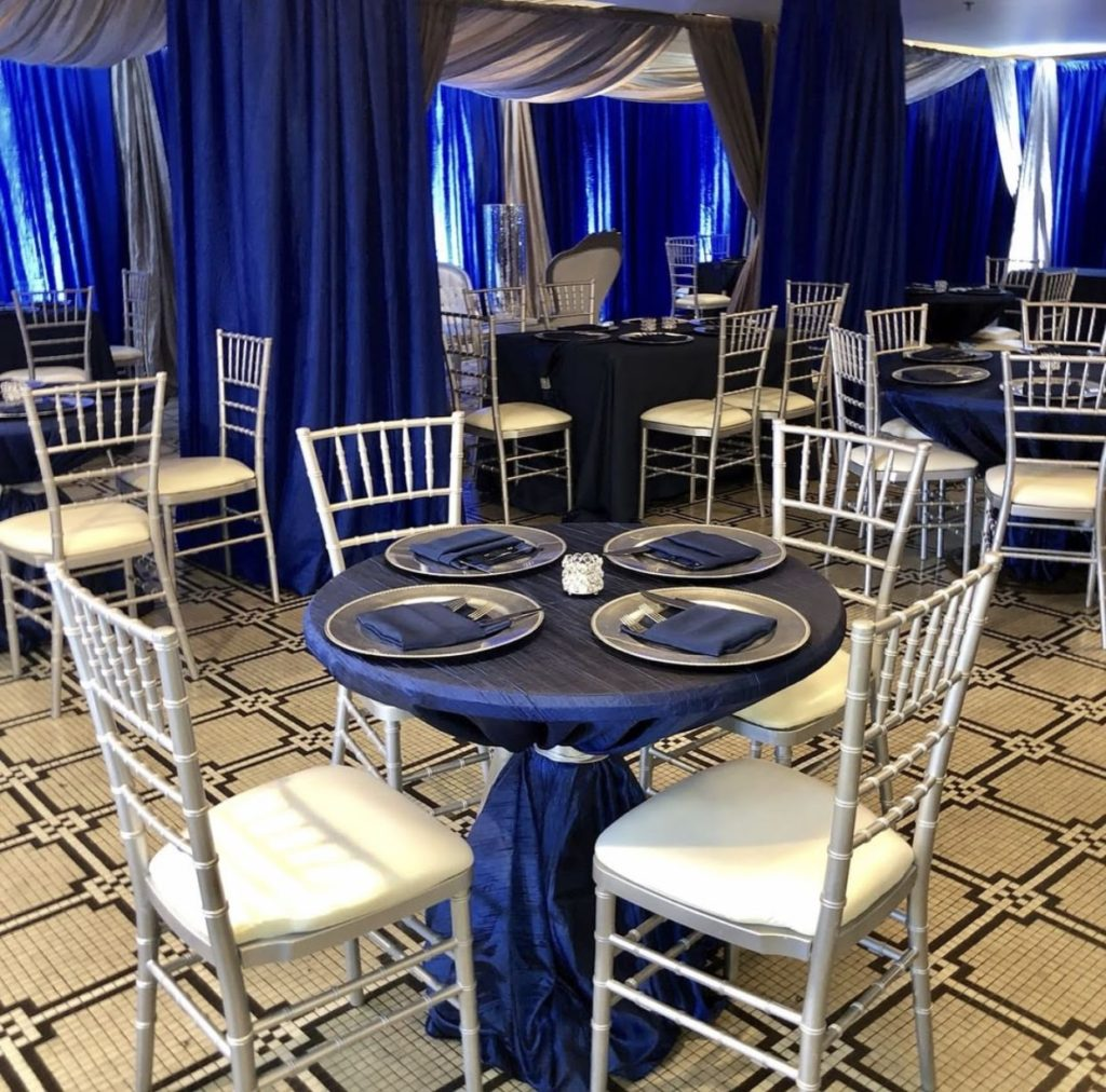 Navy Taffeta Tablecloth with Navy Poly Naokins