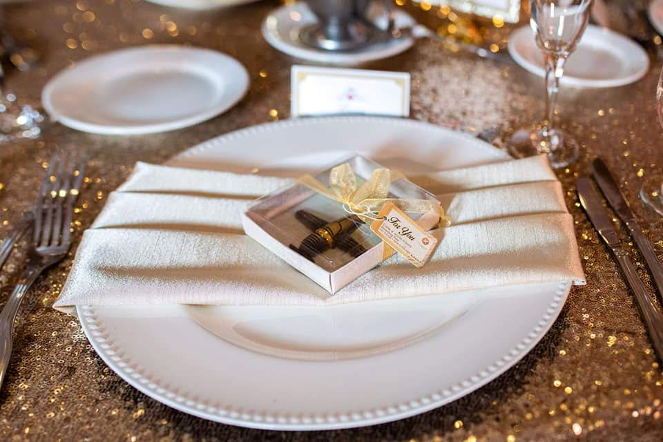 Ivory Majestic Napkins w/ White Chargers