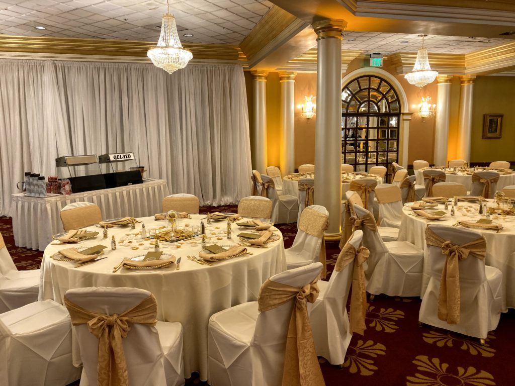 Ivory Poly Tablecloths w/ Gold Damask Sashes and Napkins