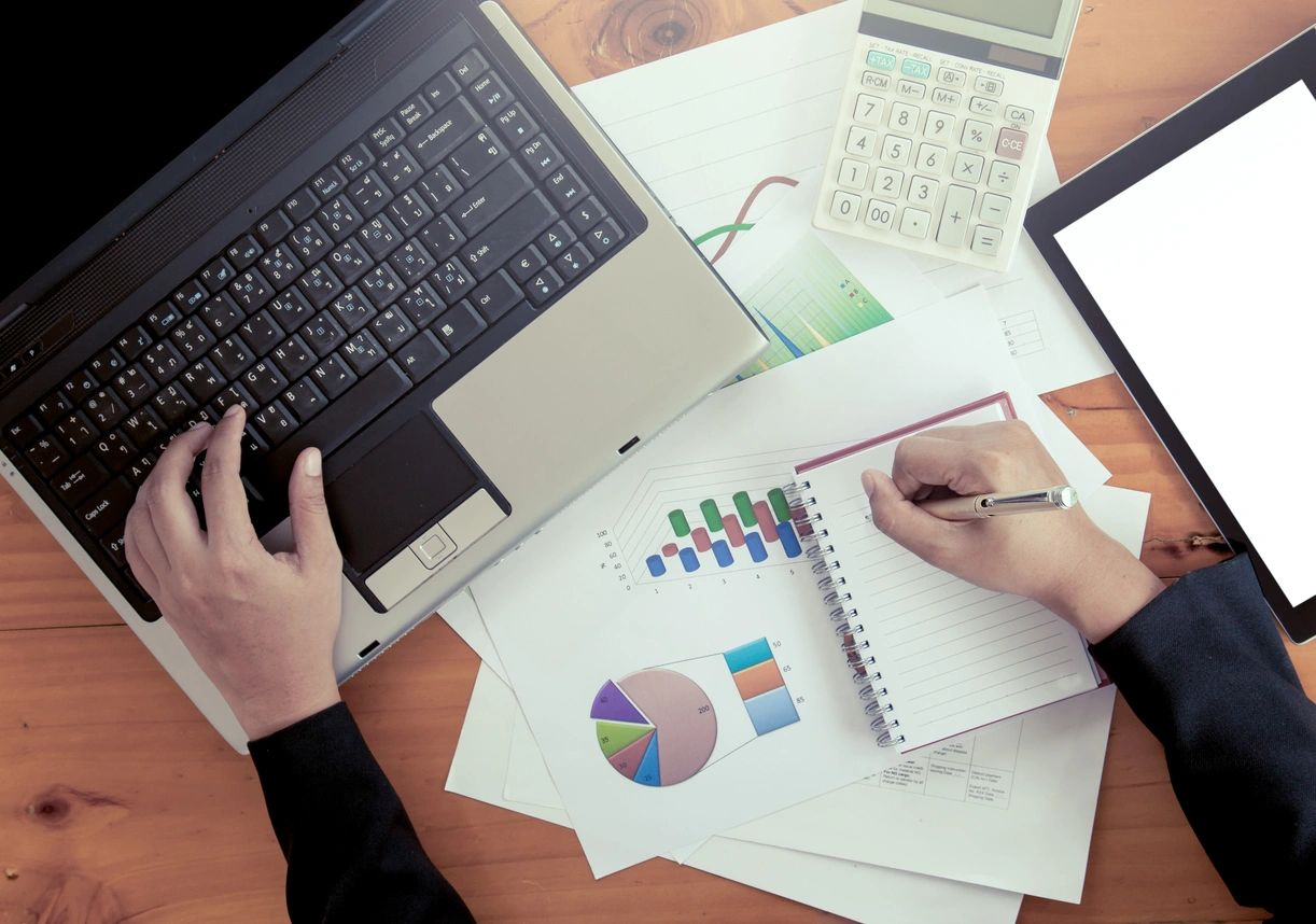 5 things to consider before doing your own accounting