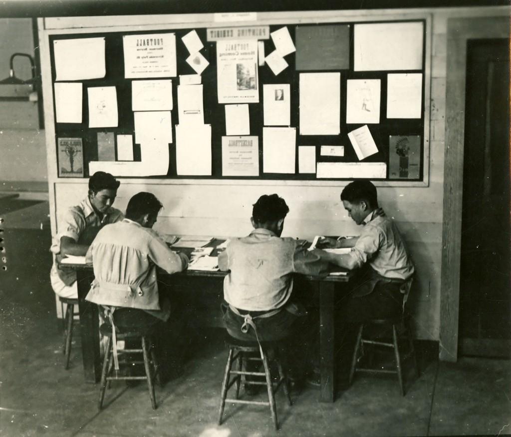 Sherman Students Working 1910+