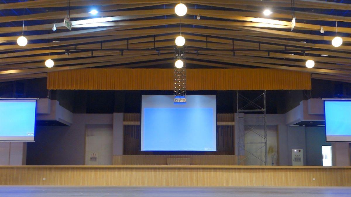 佛院大禮堂 智能調光投影案例