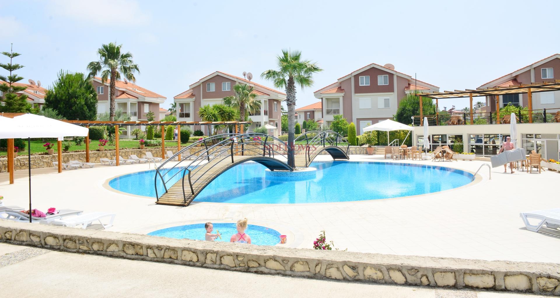 Aquarius Club Sitesin,de  3+1 Tripleks  Villa