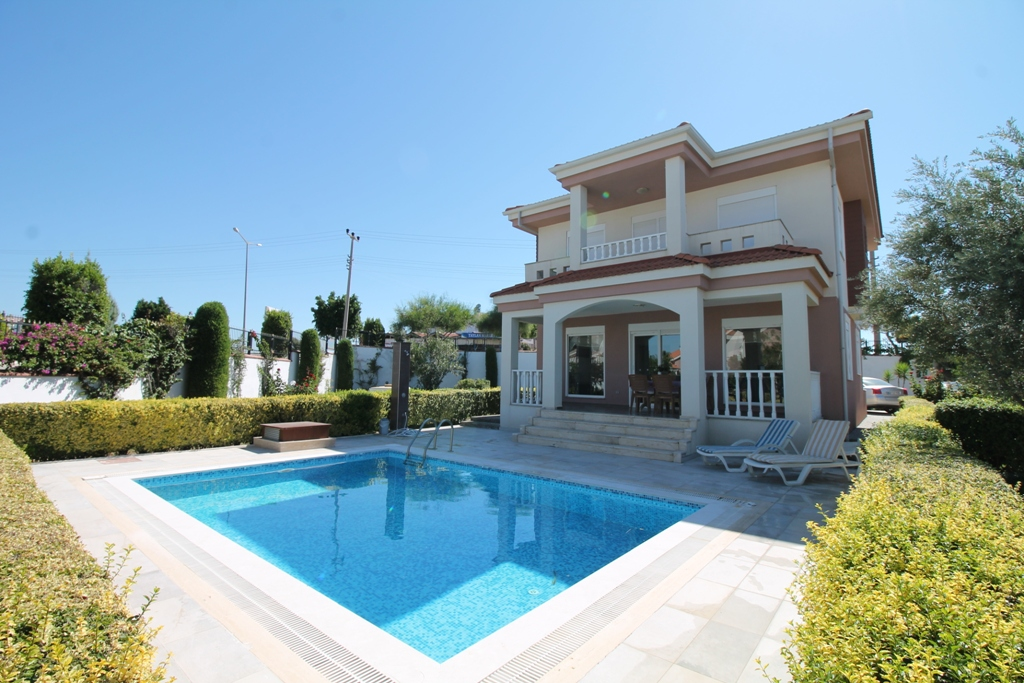 aquarius private villa