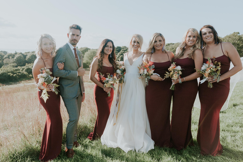 bridesmaids, bridesmaids portrait, bridesmaids florals