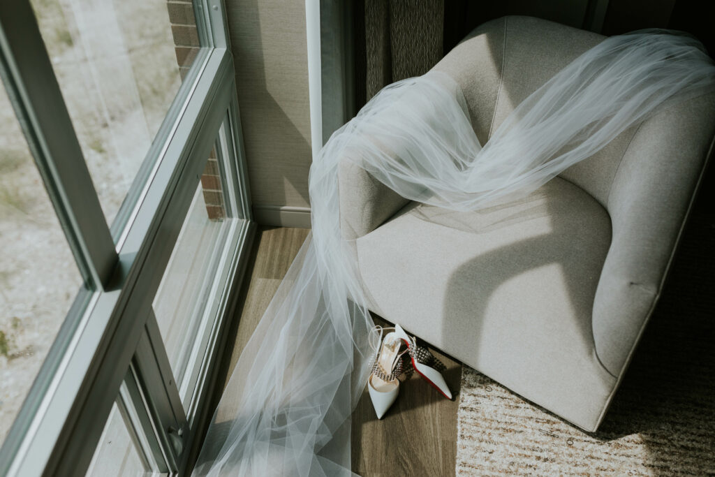 Veil and wedding shoes