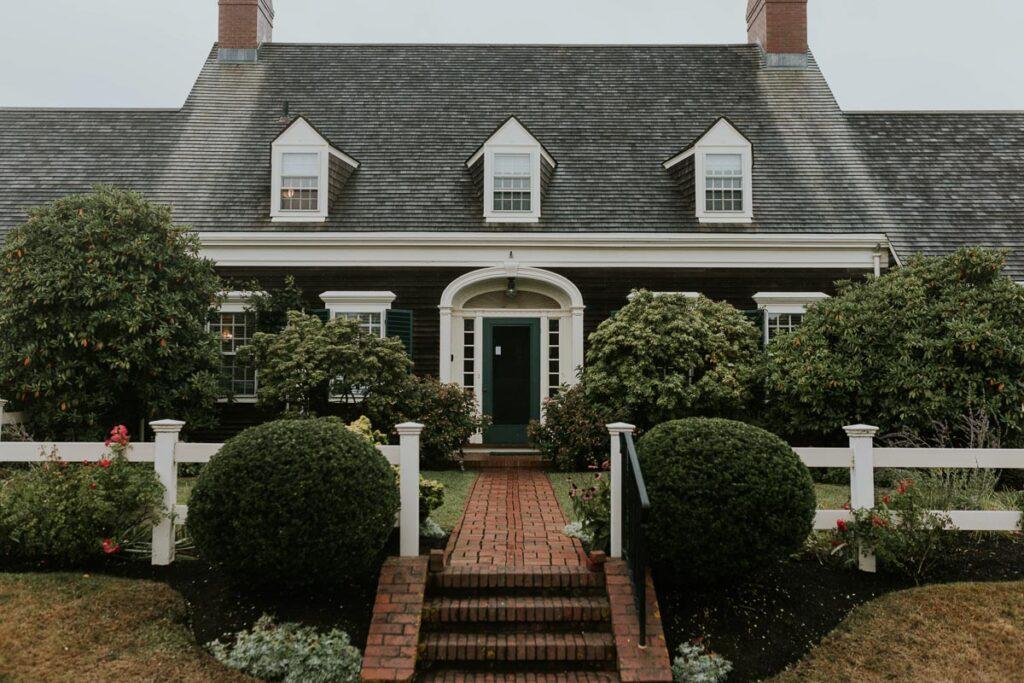 quaint cape cod house, perfect Cape Cod wedding venue
