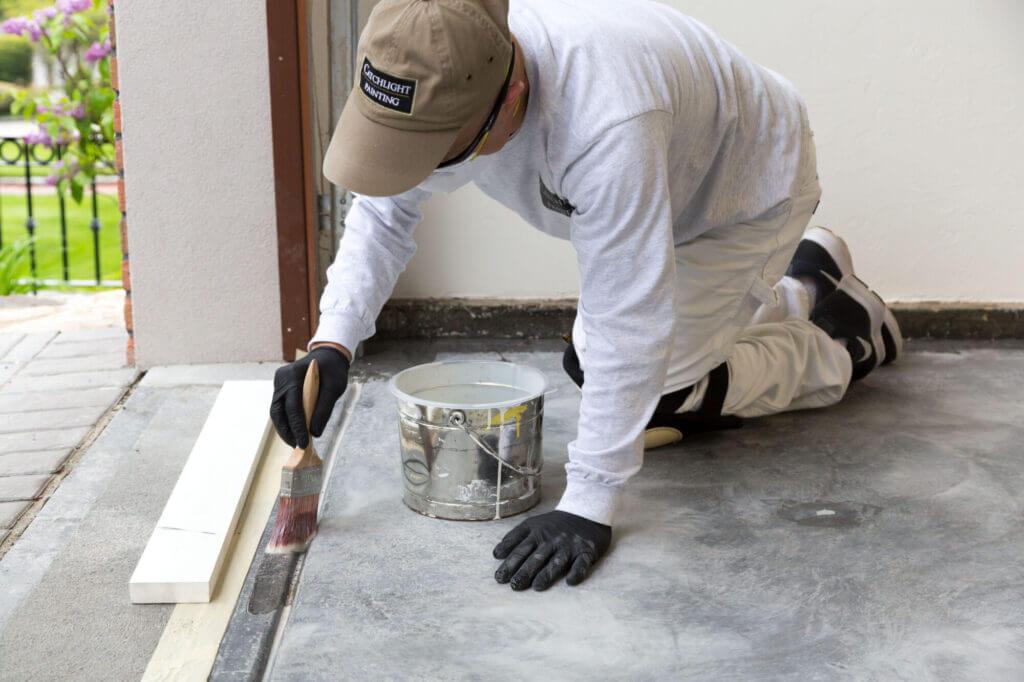 priming garage floor