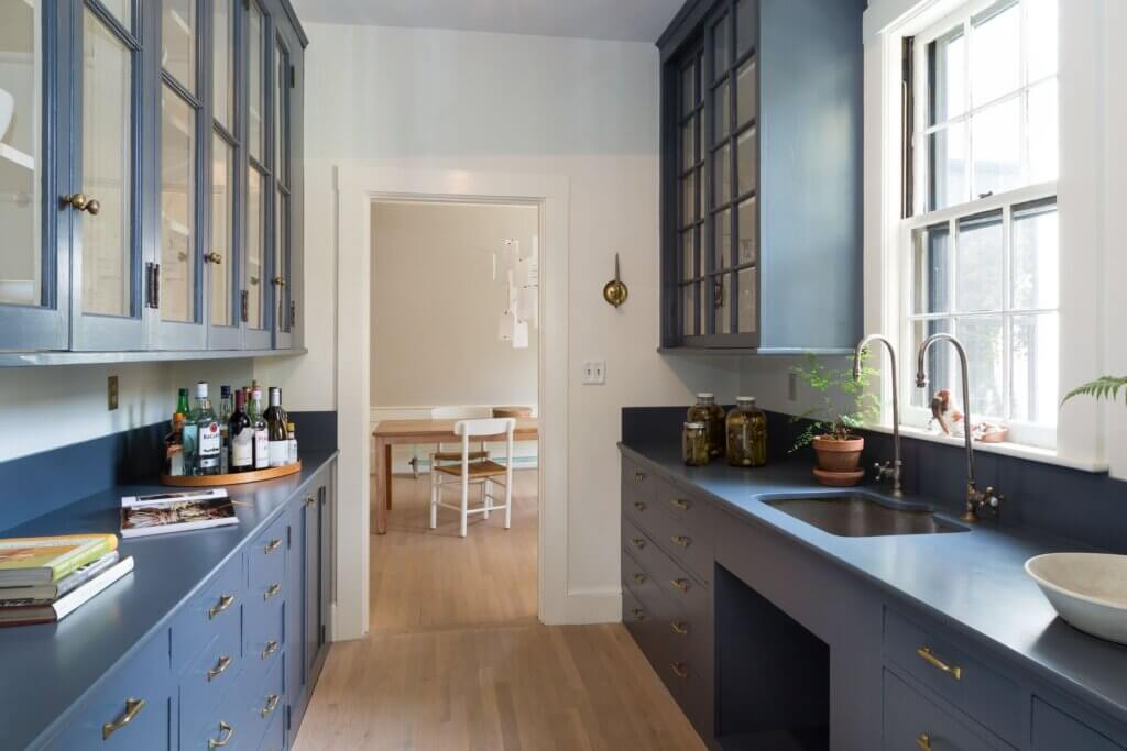 historic Victorian paint colors in New England home's kitchen