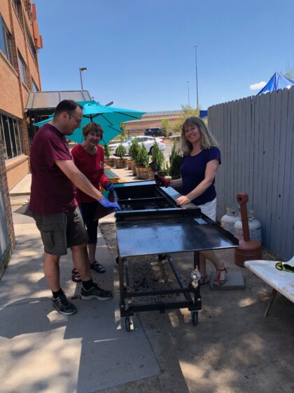 Service Sunday, Cleaning Grill