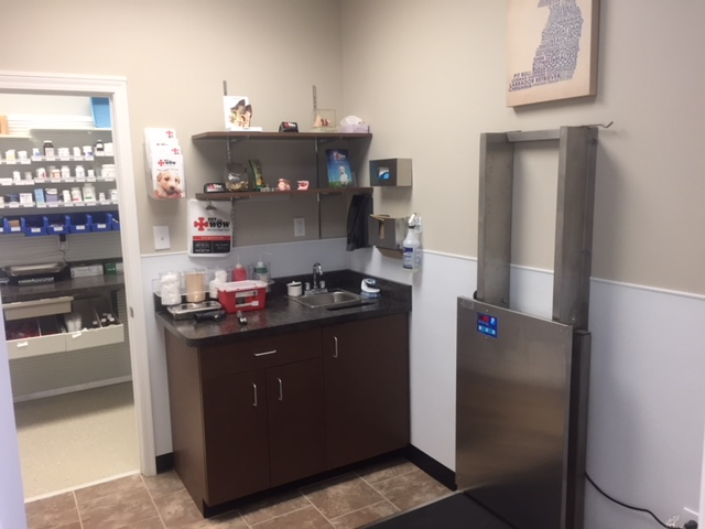 Florence Exam Room - Dog Grooming Florence Ky - PetWow