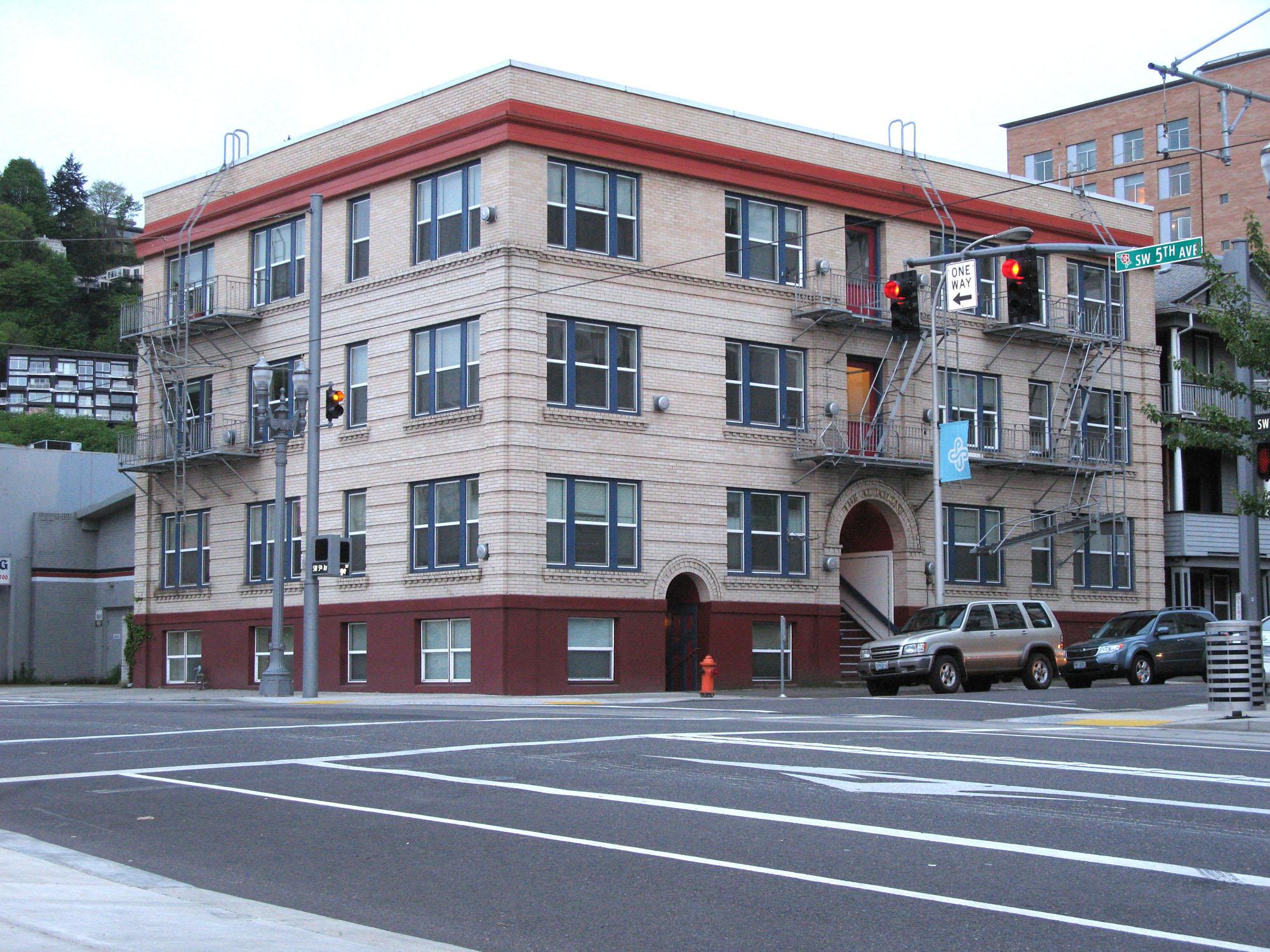 How Real Estate Investors Jake Stenziano & Gino Barbaro Grabbed 675 Units in 3 years - CREPN #41