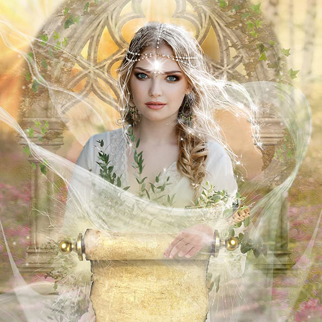 Queen of Scrolls & Front of Box