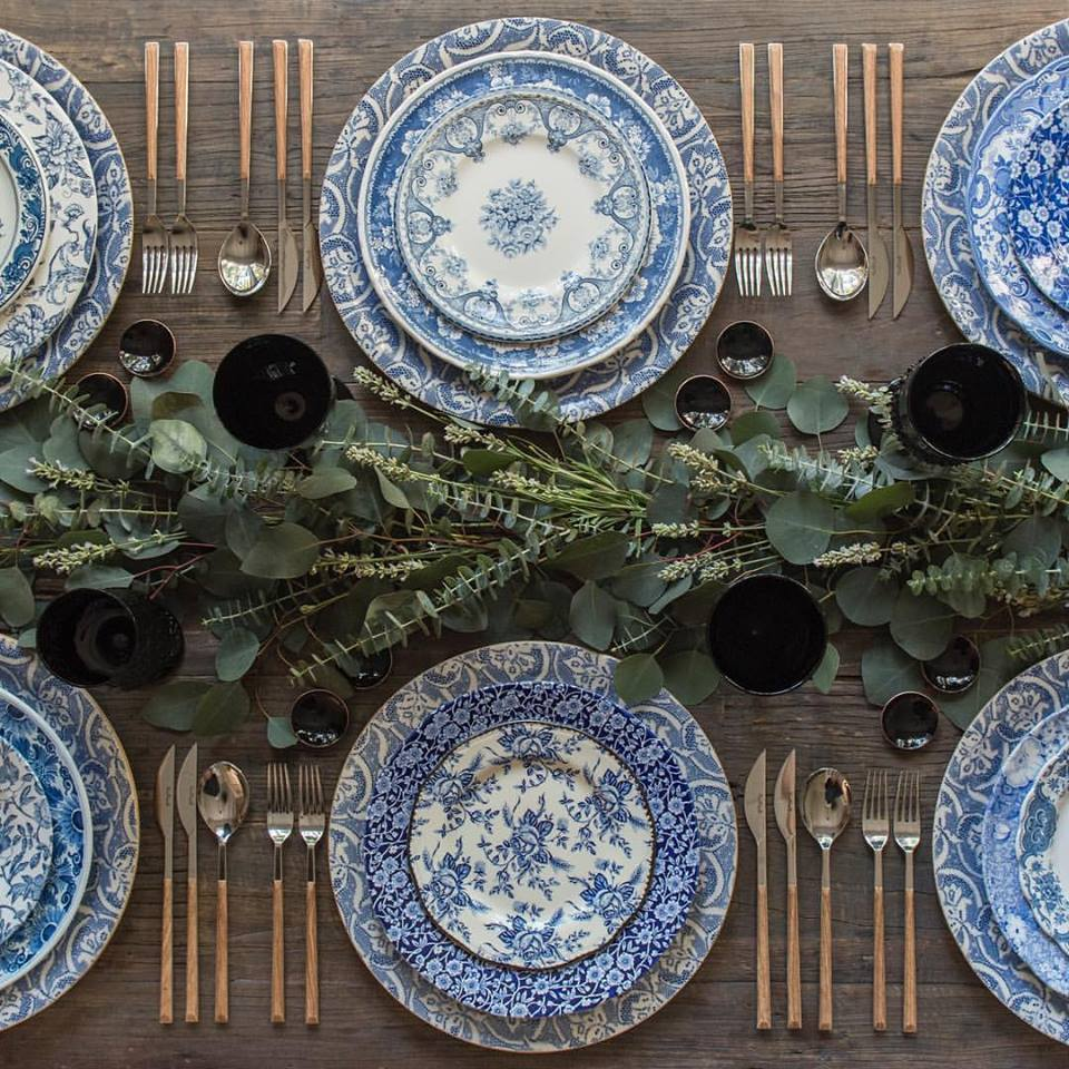 Casa de Perrin, vintage dishes, table setting, thanksgiving table