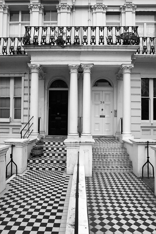 black and white checkerboard courtyard walkways