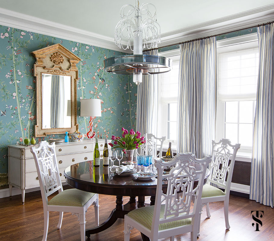 Dining room by interior designer Summer Thornton featuring F Schumacher Miles Redd Brighton Pavillion wallpaper. Summer Thornton Interior Design works on projects nationwide from her Chicago interior design office headquarters.