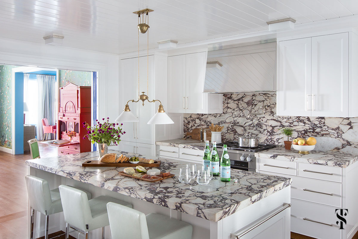 Summer Thornton Design collaborated on this kitchen design with Liederbach & Graham Architects for a Chicago Co-Op at 1500 Lake Shore Drive. Kitchen design features imported italian marble countertops & mirror-finish stainless steel hood.