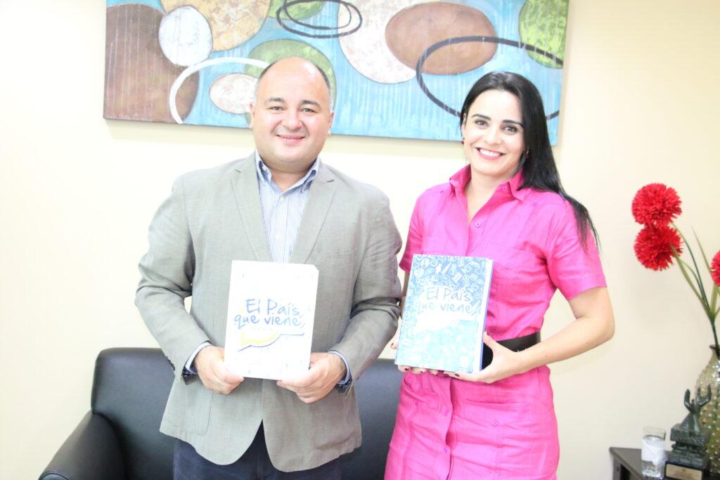 Olinda Salguero, Jefe de Gabinete de la Secretaría General del SICA y Diego Echegoyen, fundador de la Iniciativa El País Que Viene
